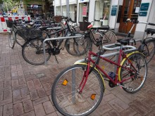 Endlich: neue Fahrradbügel am Lister Platz
